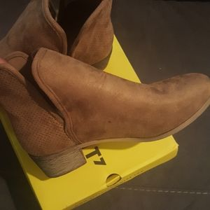 SEVEN ANKLE BOOTS AS 10